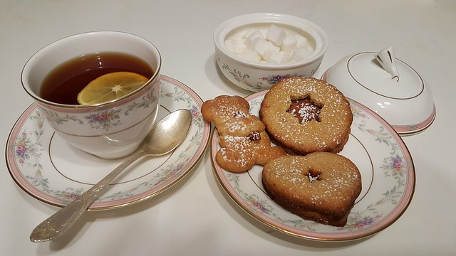 tea cups and cookies